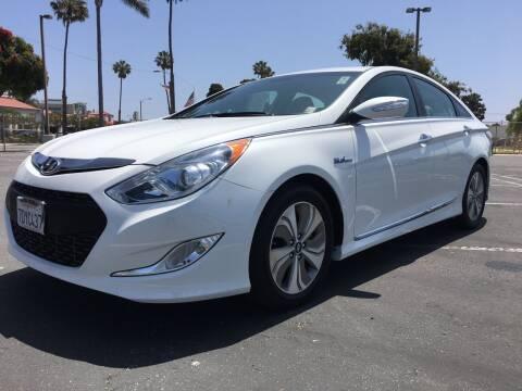 2013 Hyundai Sonata Hybrid for sale at Auto Max of Ventura in Ventura CA
