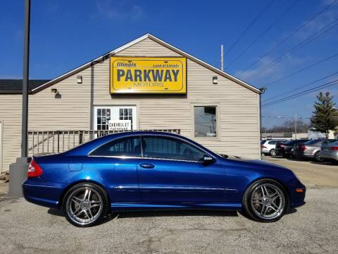 2005 Mercedes-Benz CLK for sale at Parkway Motors in Springfield IL