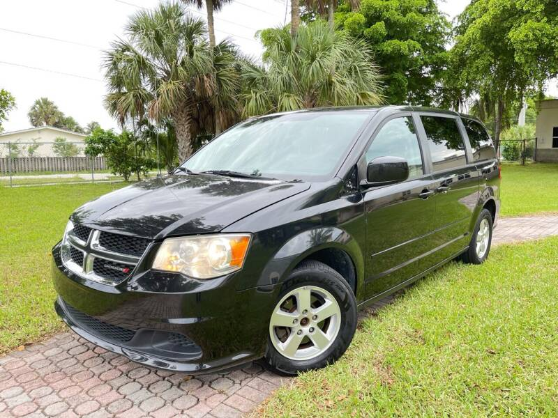 2012 Dodge Grand Caravan for sale at Citywide Auto Group LLC in Pompano Beach FL