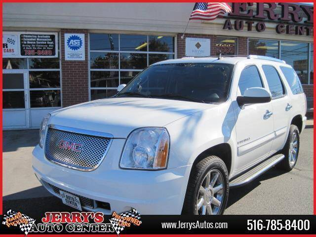 2007 GMC Yukon for sale at JERRY'S AUTO CENTER in Bellmore NY