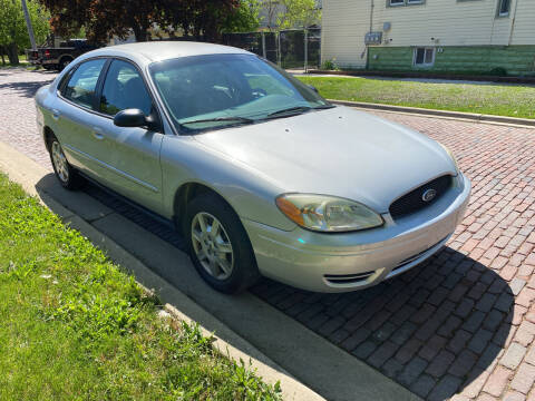 2007 Ford Taurus for sale at RIVER AUTO SALES CORP in Maywood IL