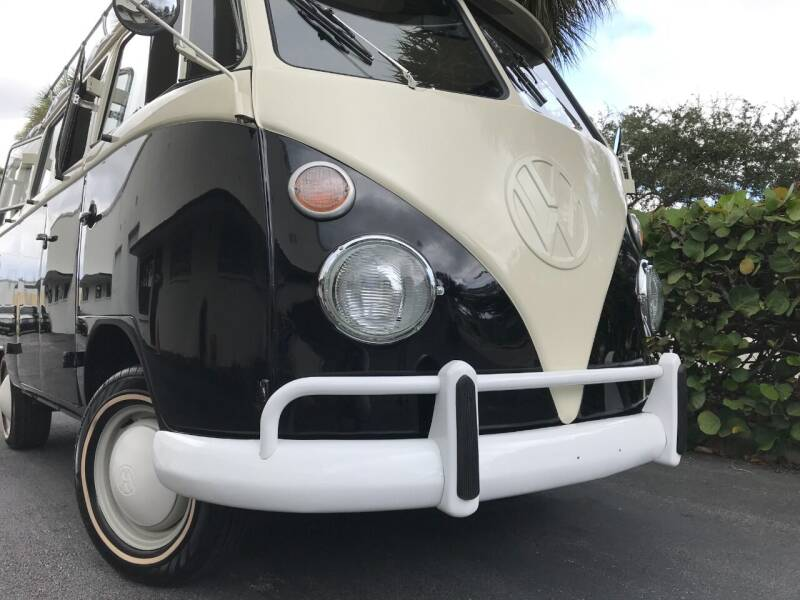 1974 Volkswagen Vanagon 15 windows - Boca Raton FL