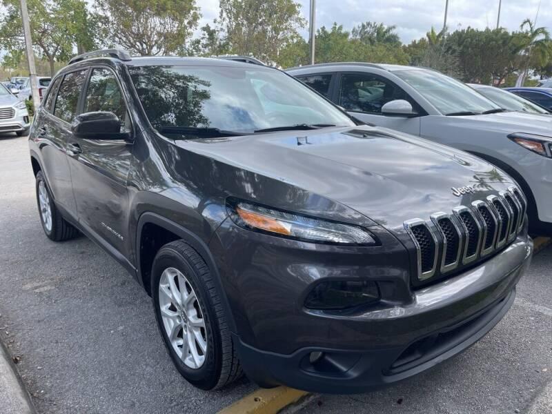 2016 Jeep Cherokee for sale at DORAL HYUNDAI in Doral FL