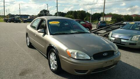 2005 Ford Taurus for sale at Kelly & Kelly Supermarket of Cars in Fayetteville NC