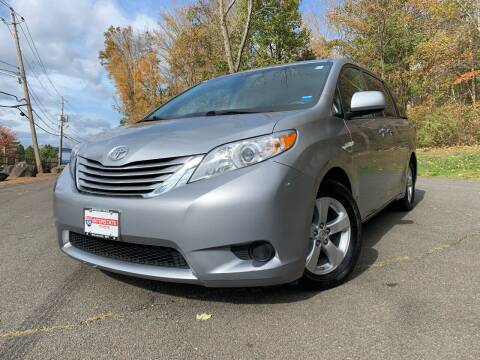2017 Toyota Sienna for sale at International Auto Sales in Hasbrouck Heights NJ