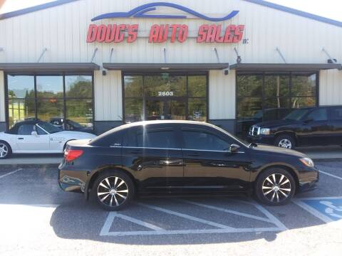 2013 Chrysler 200 for sale at DOUG'S AUTO SALES INC in Pleasant View TN