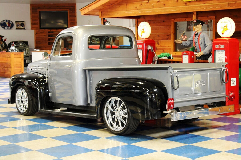 1951 Ford F-100 4