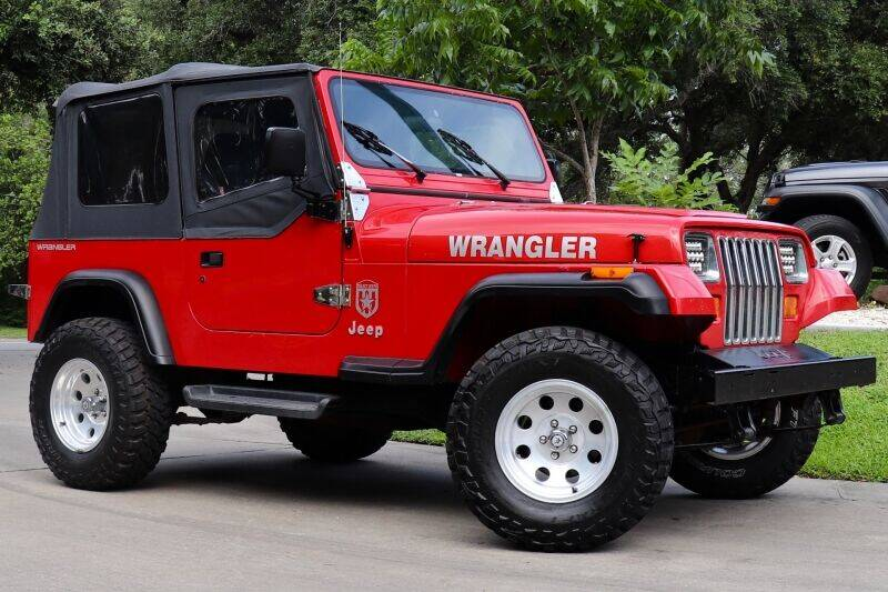 1995 Jeep Wrangler for sale at SELECT JEEPS INC in League City TX
