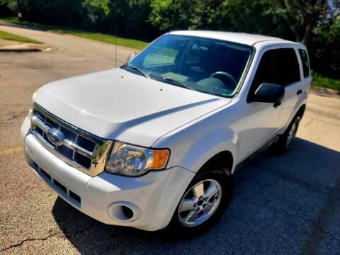 2009 Ford Escape for sale at Future Motors in Addison IL