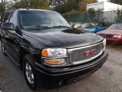 2004 GMC Yukon for sale at M & M Auto Brokers in Chantilly VA
