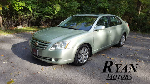 2005 Toyota Avalon for sale at Ryan Motors LLC in Warsaw IN