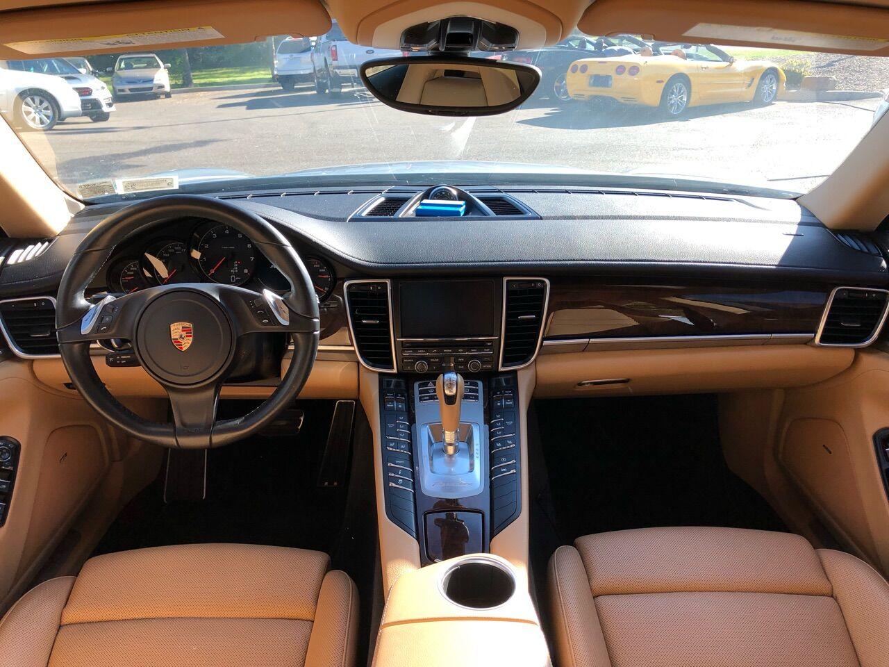 2015 Porsche Panamera Hatchback