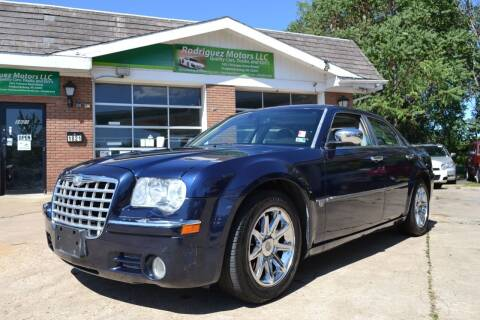 2006 Chrysler 300 for sale at RODRIGUEZ MOTORS LLC in Fredericksburg VA