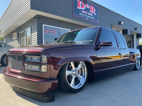 1993 GMC Sierra 1500 for sale at D & R Auto Sales in South Sioux City NE