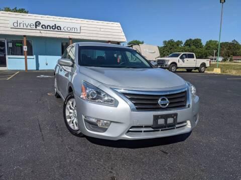 2015 Nissan Altima for sale at DrivePanda.com in Dekalb IL
