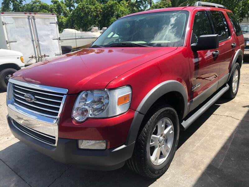 2006 Ford Explorer for sale at EXECUTIVE CAR SALES LLC in North Fort Myers FL