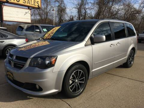 2017 Dodge Grand Caravan for sale at Town and Country Auto Sales in Jefferson City MO