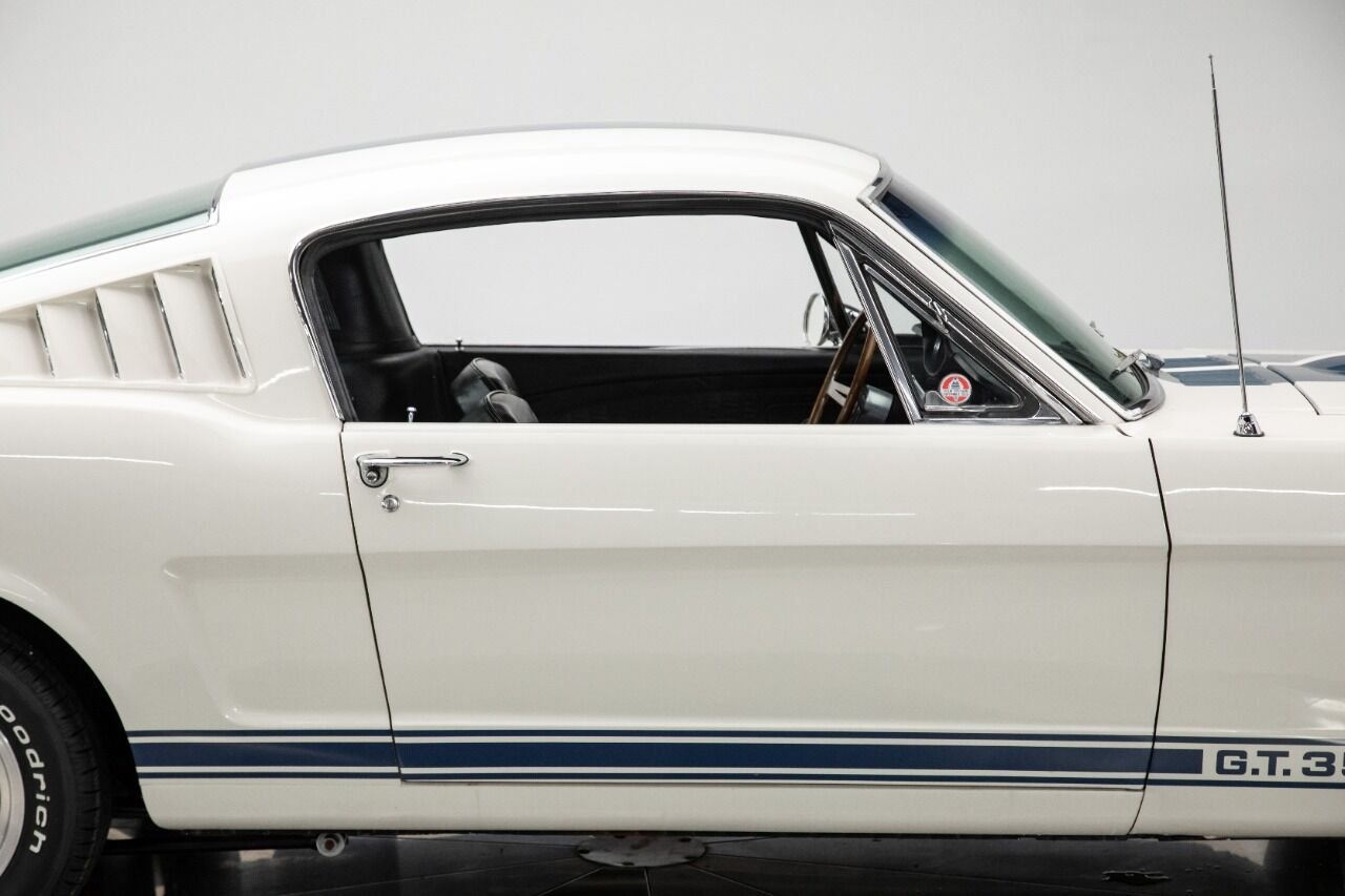 1965 Ford Mustang 23