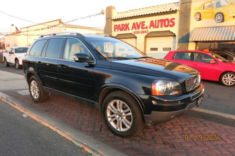 2010 Volvo XC90 for sale at PARK AVENUE AUTOS in Collingswood NJ