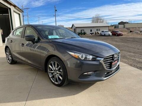 2018 Mazda MAZDA3 for sale at Northern Car Brokers in Belle Fourche SD