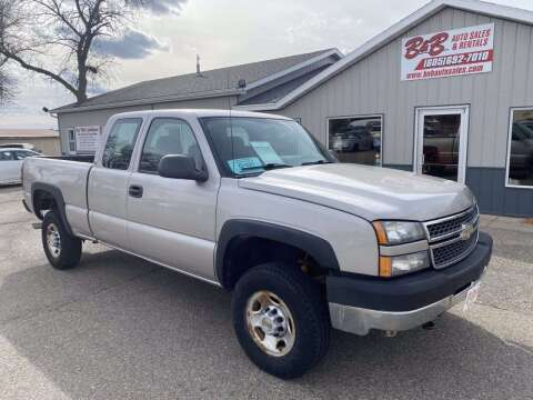 2005 Chevrolet Silverado 2500HD for sale at B & B Auto Sales in Brookings SD