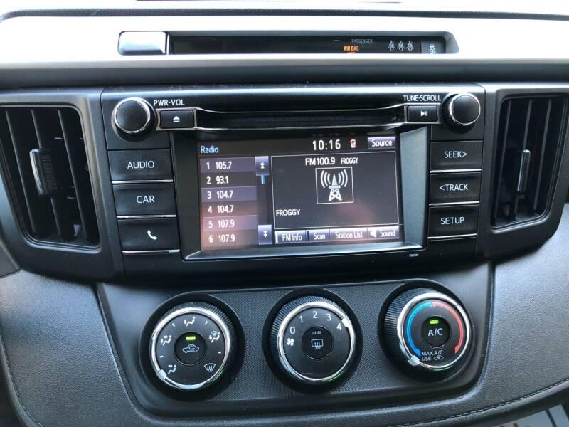 2017 Toyota RAV4 AWD LE 4dr SUV - East Barre VT