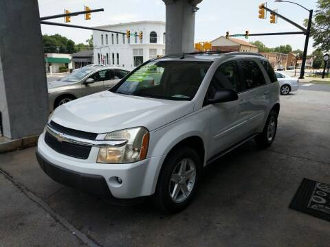 2005 Chevrolet Equinox for sale at ROBINSON AUTO BROKERS in Dallas NC