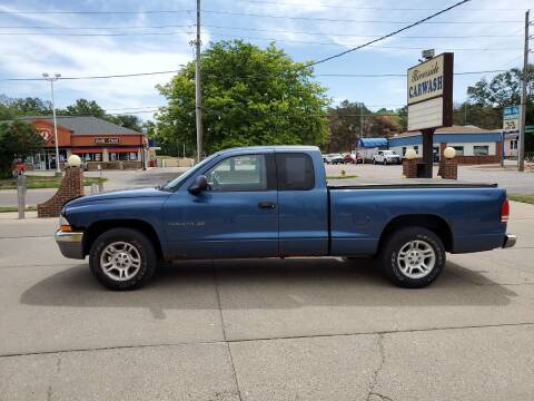 2001 Dodge Dakota for sale at RIVERSIDE AUTO SALES in Sioux City IA
