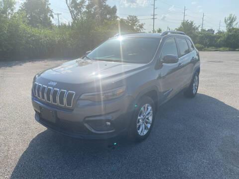 2019 Jeep Cherokee for sale at Mr. Auto in Hamilton OH