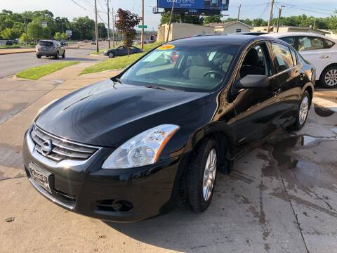 2010 Nissan Altima for sale at Zacatecas Motors Corp in Des Moines IA