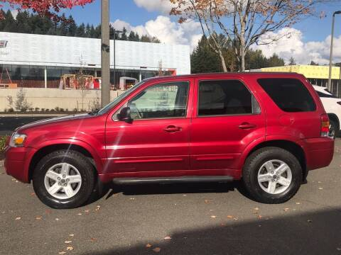 2005 Ford Escape for sale at GO AUTO BROKERS in Bellevue WA