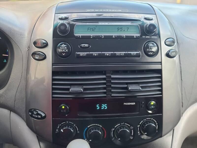 2006 Toyota Sienna LE 7-Passenger 4dr Mini-Van - Houston TX