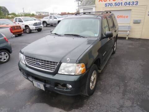 2004 Ford Explorer for sale at Small Town Auto Sales in Hazleton PA