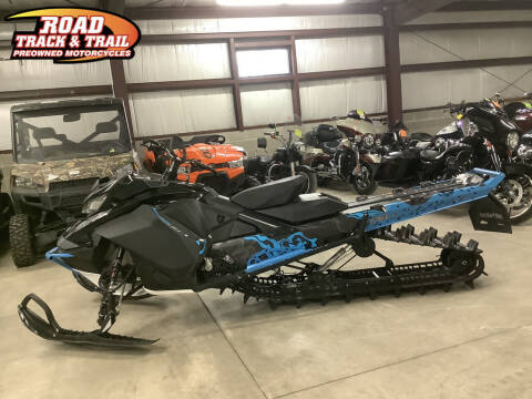 2019 Ski-Doo Summit® X® 850 E-TEC for sale at Road Track and Trail in Big Bend WI
