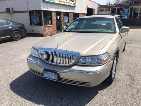 2007 Lincoln Town Car for sale at MR Auto Sales Inc. in Eastlake OH