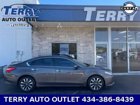 2016 Nissan Altima for sale at Terry Auto Outlet in Lynchburg VA