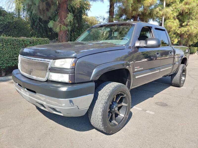 2005 Chevrolet Silverado 2500HD for sale at Gold Rush Auto Wholesale in Sanger CA