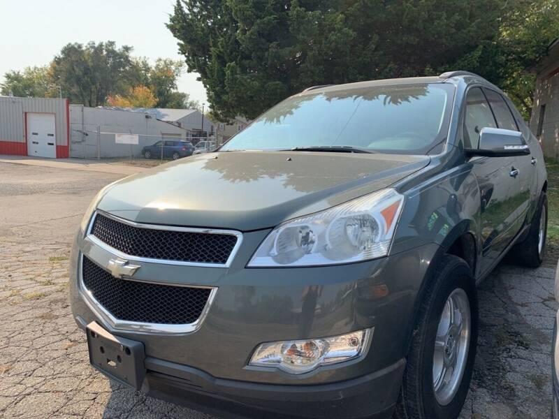 2011 Chevrolet Traverse for sale at ALVAREZ AUTO SALES in Des Moines IA