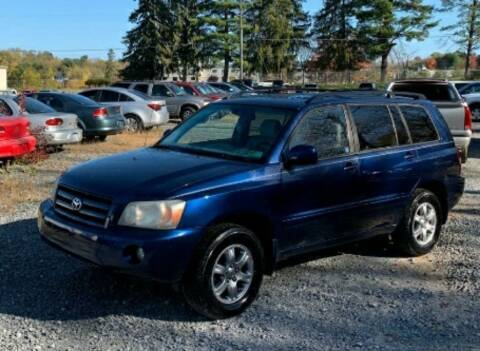 2006 Toyota Highlander for sale at BSA Pre-Owned Autos LLC in Hinton WV