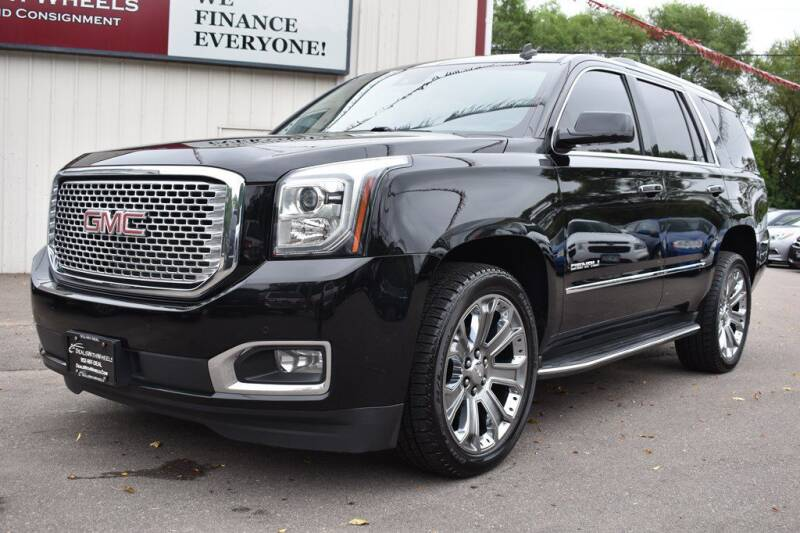 2015 GMC Yukon for sale at Dealswithwheels in Inver Grove Heights MN