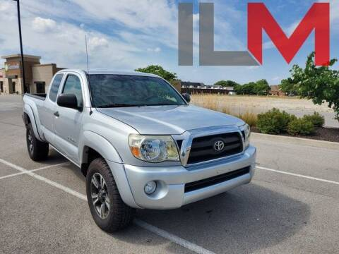 2006 Toyota Tacoma for sale at INDY LUXURY MOTORSPORTS in Fishers IN