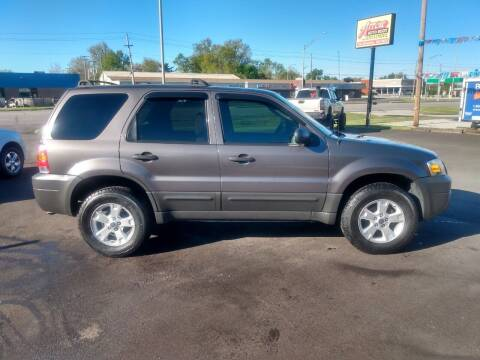 2005 Ford Escape for sale at Auto Pro Inc in Fort Wayne IN