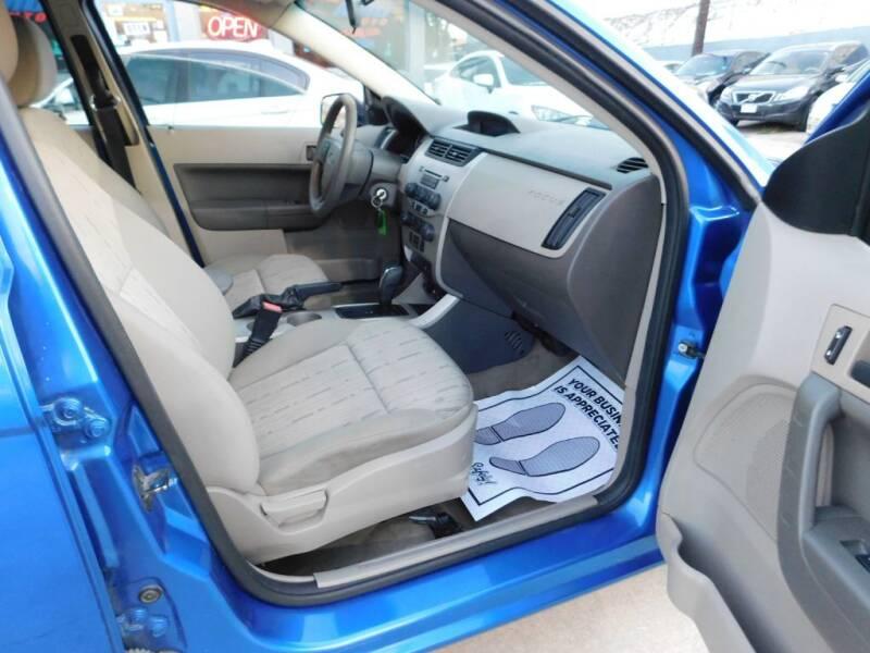2010 Ford Focus SE 4dr Sedan - San Antonio TX