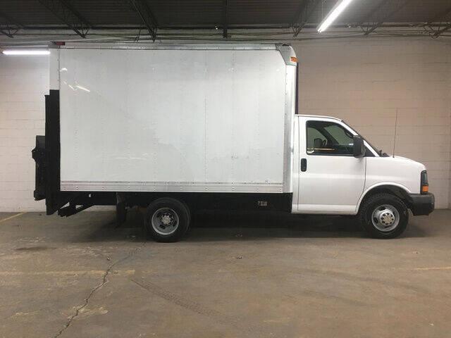 2011 Chevrolet Express Cutaway for sale at DKR Trucks in Arlington TX