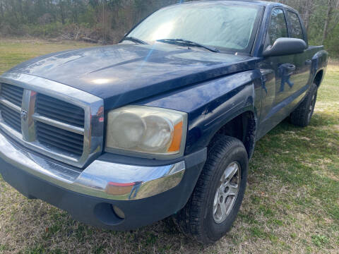 2005 Dodge Dakota for sale at Southtown Auto Sales in Whiteville NC