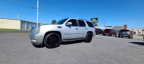 2011 Cadillac Escalade for sale at CHILI MOTORS in Mayfield KY