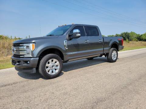 2019 Ford F-250 Super Duty for sale at TNT Auto in Coldwater KS