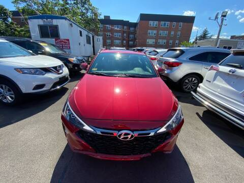 2019 Hyundai Elantra for sale at OFIER AUTO SALES in Freeport NY