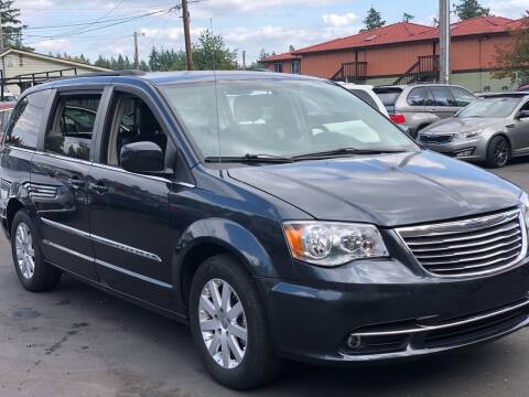 2014 Chrysler Town and Country for sale at ALHAMADANI AUTO SALES in Spanaway WA