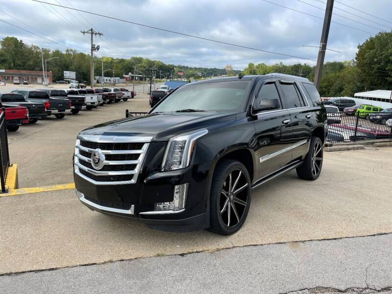 2015 Cadillac Escalade for sale at Greg's Auto Sales in Poplar Bluff MO